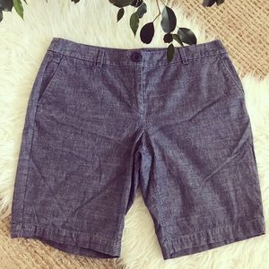 Denim shorts are a classic! Ann Taylor LOFT 10P